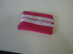 手作りのティッシュケースです。針を使って縫いました!
